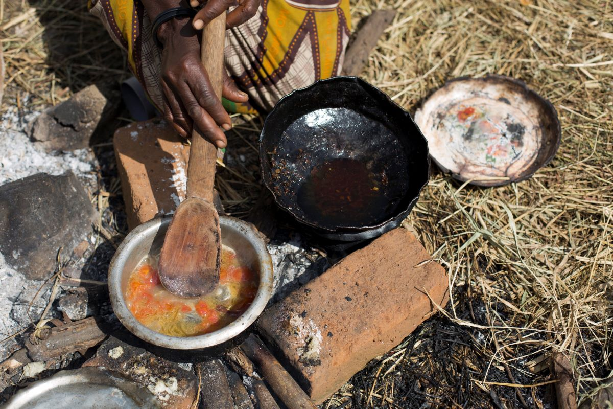 Cooking Mozambique Camp