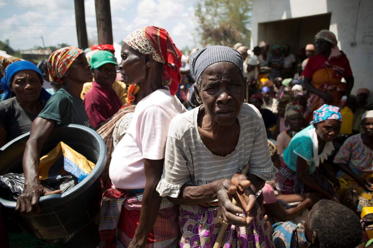 Mozambique emergency camp (c) Karel Prinsloo / Age International